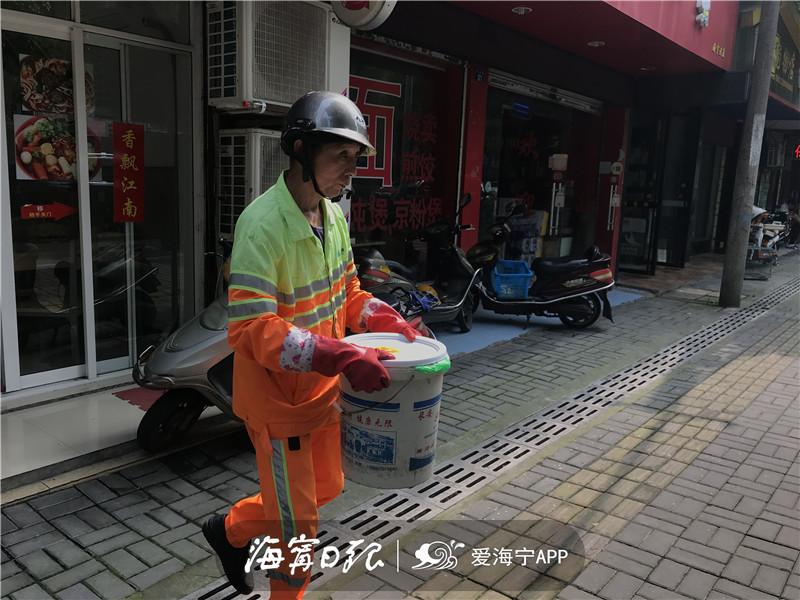郑甫明上门收运垃圾 (1).jpg